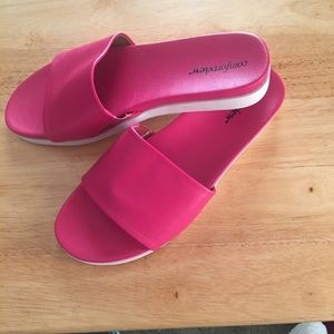 Comfort view slip on shoes